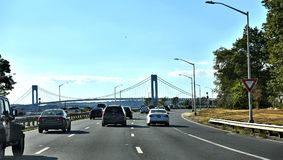 Ponte ocidental pkwy da estrada da correia de New York Brooklyn fotografia de stock