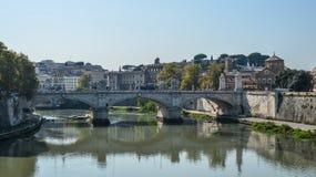 Ponte ou Pons Aelius de Aelian em Roma, It?lia imagem de stock
