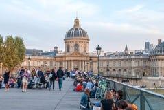 Ponte pedestre de Pont des Arts no por do sol Fotografia de Stock Royalty Free