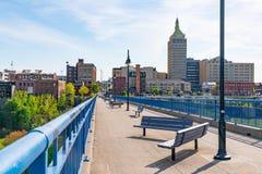 Ponte pedestre de Pont De Rennes em Rochester, New York fotografia de stock