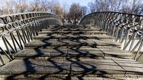 Ponte pedonale di pietra Immagine Stock