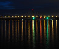 Ponte più lungo alle luci alla notte Fotografie Stock