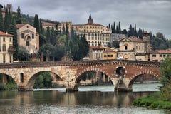 Ponte Pietra bro i Verona Royaltyfri Foto