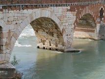 Ponte Pietre мост в Вероне в Италии Стоковое Фото