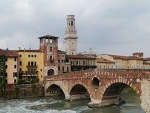 Ponte Pietre мост в Вероне в Италии Стоковое Изображение RF