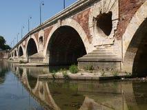 Ponte Pont Neuf dell'arco a Tolosa Fotografia Stock