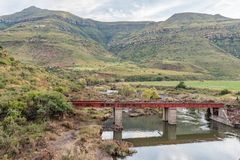 Ponte Railway sobre o rio de Karnmelk no terceiro reverso da estrada de ferro Fotos de Stock Royalty Free