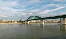 Ponte railway velha em Belgrado fotos de stock