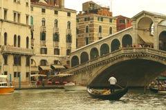 Ponte Rialto em Veneza, Italy Fotografia de Stock Royalty Free