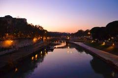 Ponte romano con il cielo di tramonto Immagine Stock