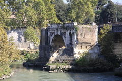 Ponte Rotto lizenzfreies stockbild