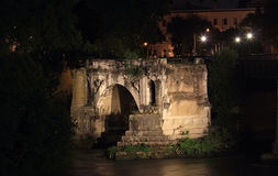 Ponte rotto Roman bridge in Rome Stock Photo
