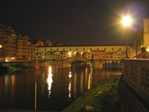 Ponte 's nachts Vecchio Stock Foto