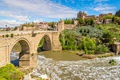 Ponte San Martin sobre o rio de Tejo em Toledo Fotos de Stock Royalty Free