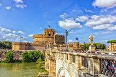 Ponte Sant ` Angelo πέρα από το Tiber και Castel Sant ` Angelo σε Parco Adriano, Ρώμη στοκ εικόνες