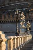 Ponte Sant Angelo bei Sonnenaufgang, Rom, Italien Stockbild