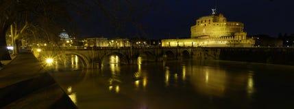 Ponte Sant'Angelo @ natt Fotografering för Bildbyråer
