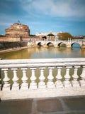 Ponte, Sant Angelo Tiber i kasztel rzeka w Rzym i, Włochy Fotografia Royalty Free