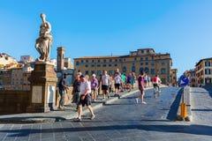 Ponte Santa Trinita i Florence, Italien Royaltyfri Bild