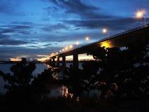 Ponte Savannakhet a Mukdaharn no crepúsculo Fotografia de Stock Royalty Free