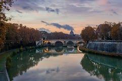 Ponte Sisto in der Dämmerung stockfoto