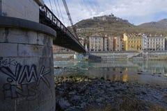 Ponte sobre Isere River e Bastille imagem de stock