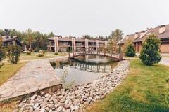 Ponte sobre a lagoa imagens de stock royalty free