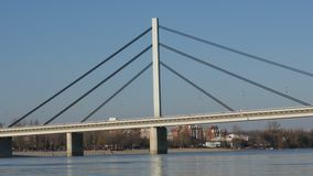 Ponte sobre o Danube River em Novi Sad, Sérvia vídeos de arquivo