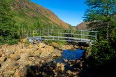 Ponte sobre o leito fluvial Foto de Stock