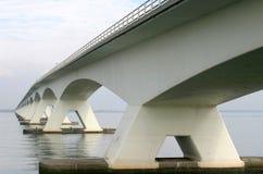 Ponte sobre o Oosterschelde em Holland imagem de stock royalty free