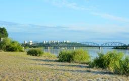 Ponte sobre o rio de Vistula Infraestrutura do transporte em Grud Foto de Stock Royalty Free