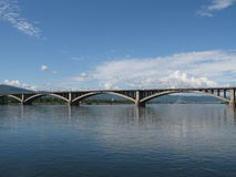 Ponte sobre o rio de Yenisei Foto de Stock Royalty Free