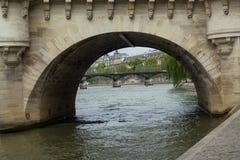 Ponte sobre o rio Seine Fotografia de Stock