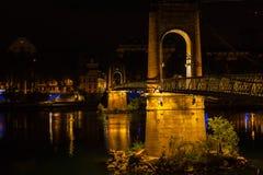 Ponte sobre Rhone River em Lyon, França na noite Imagem de Stock Royalty Free