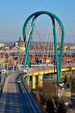Ponte sobre um rio Bydgoszcz, Poland Imagem de Stock
