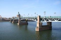 Ponte sopra la Garonna a Tolosa Immagine Stock Libera da Diritti