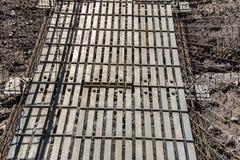 Ponte sospeso del metallo sui cavi del ferro nel Nepal immagine stock libera da diritti