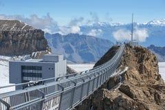 Ponte sospeso, ghiacciaio 3000 in Svizzera Fotografie Stock Libere da Diritti