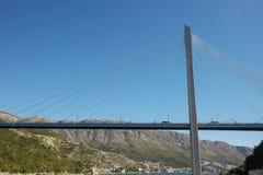 Ponte strallato moderno del ` s di Franzo Tudjman in Ragusa, Croati Immagini Stock