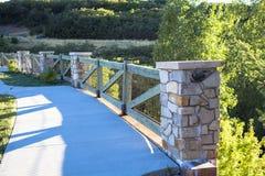 Ponte sulla montagna trasversale Fotografia Stock