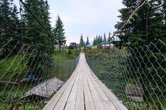 Ponte suspendida em Dragobrat Ucrânia fotografia de stock royalty free