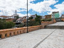 Ponte tagliato Cuenca Ecuador di vista panoramica immagine stock
