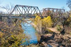 Ponte Texas Over Hill Country River da estrada de ferro imagens de stock royalty free