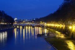 Ponte Umberto I @ natt Royaltyfri Fotografi