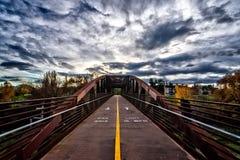 Ponte urbana HDR do ciclismo Fotos de Stock Royalty Free