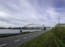 Ponte Van Brienenoordbrug em Rotterdam fotografia de stock