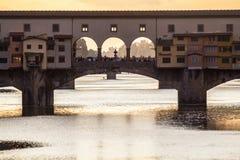 Ponte Vecchio巨大看法在日落,佛罗伦萨,意大利的 图库摄影