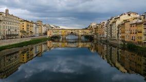 Ponte Vecchio桥梁-佛罗伦萨(意大利) 免版税库存图片
