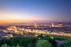 Ponte Vecchio看法在晚上 佛罗伦萨 免版税库存照片