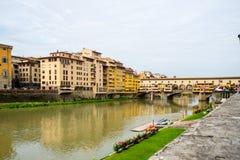 Ponte Vecchio - γέφυρα πέρα από τον ποταμό Arno που βρίσκεται στη Φλωρεντία στοκ εικόνα